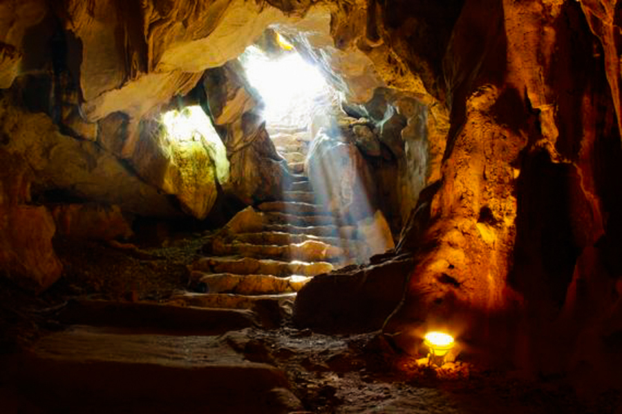 Thien Canh Son cave - The most beautiful cave in Bai Tu Long Bay