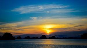 Sunset at Halong Bay valley
